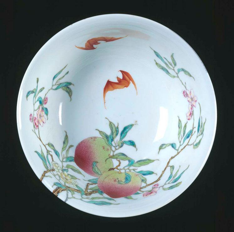 Chinese porcelain bowl, 1736 – 1795